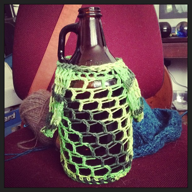green growler carrier